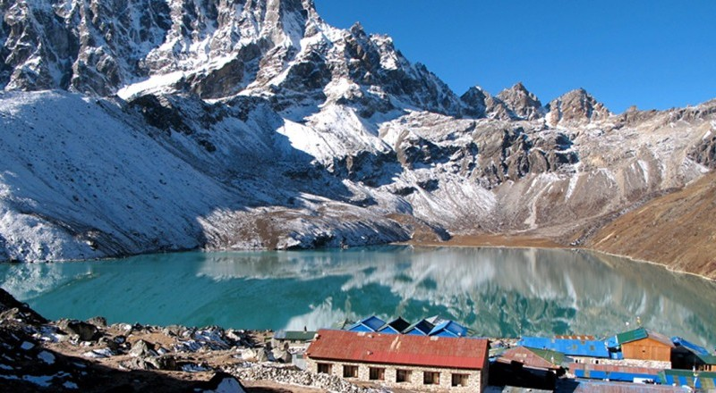 Everest Base Camp Trek VS Gokyo Lake Trek With Everest